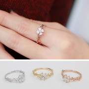 Fashion Rhinestone Four Leaved Clover Ring