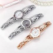 Fashion Stainless Steel Watchband Round Dial Quartz Watches