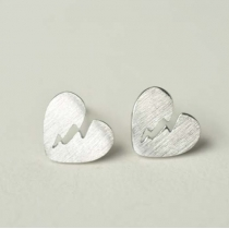 Fashion Cute Heartbroken Shape Silvering Earring
