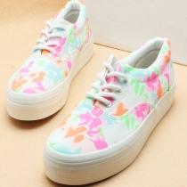 Retro European Style Floral Print Canvas Shoes