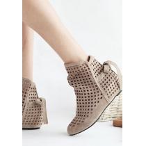 Street-chic Style Dot Cutout Bowknot Boot