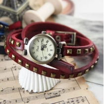 Fashion Retro Roman Red Square Rivet Leather Bangle Handcrafted Bracelet Watch