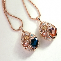 Fashion Water-drop Shaped Crystal Pendant Necklace