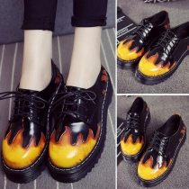 Retro Style Contrast Color Round Toe Flat Heel Lace-up Shoes