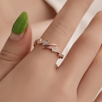 Fashion Rhinestone Inlaid Lightning Shaped Ring