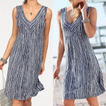 Fashion Sleeveless V-neck Striped Dress