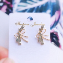 Sweet Style Rhinestone Inlaid Bow-knot Shaped Stud Earrings