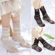 Fashion Solid Color Lace Loose Socks