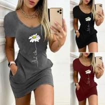 Casual Style Short Sleeve V-neck Front-pocket Slim Fit Printed Dress
