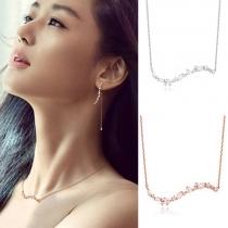 Fashion Delicate Leaf Shaped Zircon Pendant Necklace