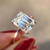 Fashion Square-shaped Rhinestone Inlaid Ring