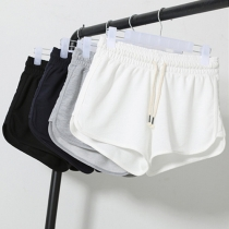 Casual Style Solid Color Elastic Waist Sports Shorts