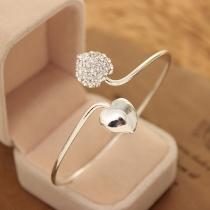 Fashion Rhinestone Inlaid Heart Open Bracelet