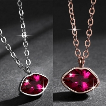 Fashion Rhinestone Inlaid Lip Pendant Necklace